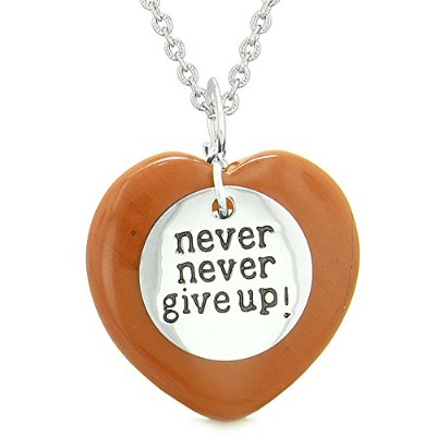 Amulet Never Give Up Inspirational Puffy Magicラッキーハートチャームレッドジャスパーペンダント18インチネックレス