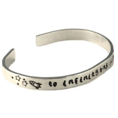 Personalizedブレスレット–To infinity and beyond–Hand Stamped 1/ 4インチアルミCuff