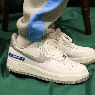 "NIKE AIR FORCE 1 '07 LV8 ""LOST ARCHIVE PACK""(ナイキ エア フォース 1 '07 LV8)WHITE/METALLIC SILVER-SAIL..."