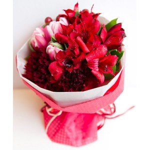 Bouquet type hot red