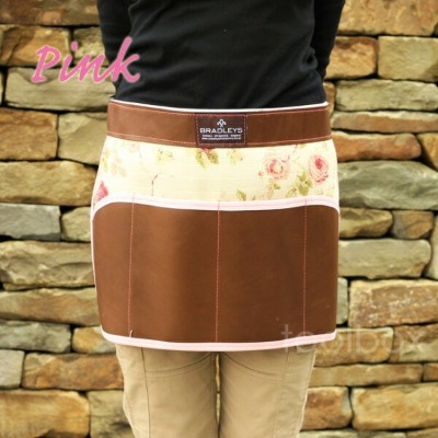 「Floral Leather Apron」(フローラル レザー エプロン)
