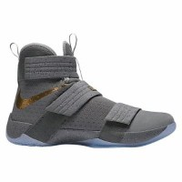 "Nike LeBron Soldier 10 X ""Cool Grey""メンズCool Grey/Metallic Gold-Wolf Grey ナイキ バッシュ ズームソルジャー レブロンジェームス"