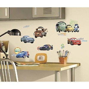 Disney Cars 2 Removable Wall Decorations ディズニーカーズ2取り外し可能な壁の装飾