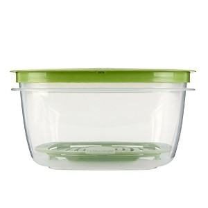 Rubbermaid Produce Saver Food Storage Container, 14-Cup by Rubbermaid