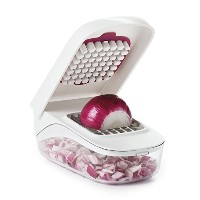 High Quality Vegetable and Onion Chopper with Easy Pour Opening
