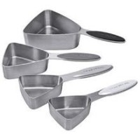 Focus Foodservice 4ピースステンレススチール磁気三角形Measuring Cup Set – - 6 perケース。